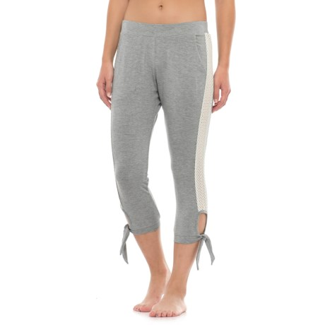 C & C California Lacy Lounge Capris (For Women) in Heather Gray