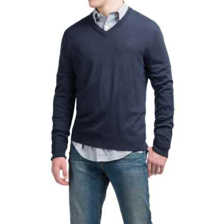C89men Lightweight Merino Wool Sweater - V-Neck (For Men) in Navy - Closeouts