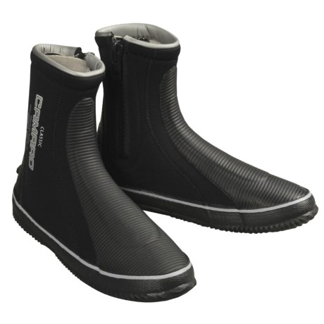 Camaro 6mm Classic Dive Boots (For Men and Women) in Black W/Grey Logo