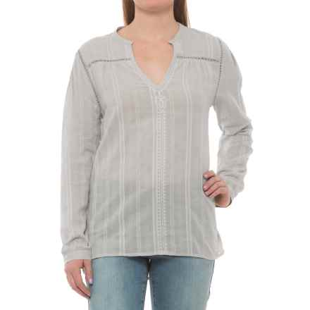 Carve Designs Dunmore Shirt - Organic Cotton, Long Sleeve (For Women) in Light Grey Mist - Closeouts