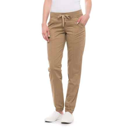 Carve Designs Idaho Cargo Pants (For Women) in Camel - Closeouts
