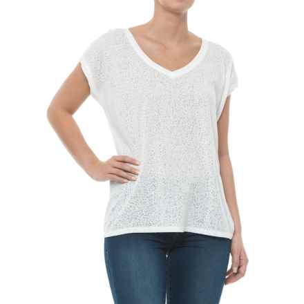 Carve Designs Oregon V-Neck Shirt - Organic Cotton Blend, Short Sleeve (For Women) in White Stargazer - Closeouts