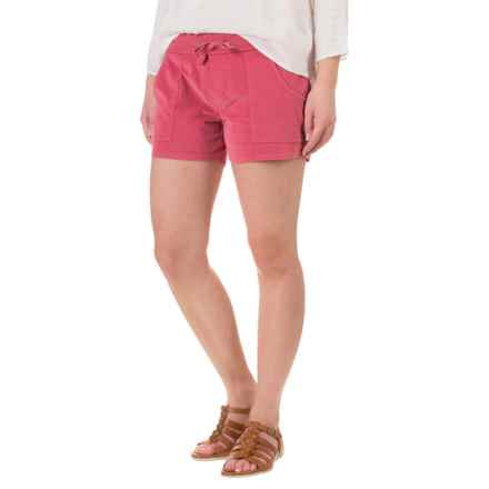 Carve Designs Willow Shorts (For Women) in Strawberry - Closeouts