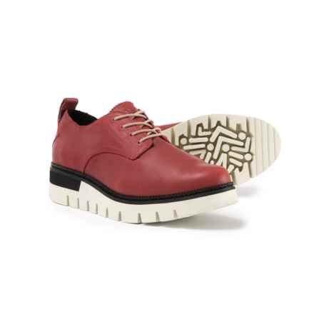 Caterpillar Windup Oxford Shoes (For Women) in Red - Closeouts