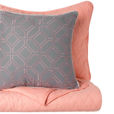 CHD Home Birmingham Norwich Quilt Set - Queen in Coral W/Grey/Coral