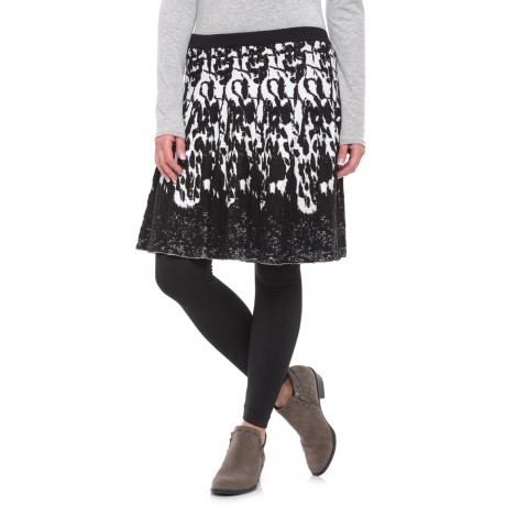Chelsea & Theodore Textured Knit Skirt (For Women) in Black/Ivory