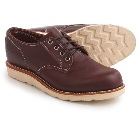 Chippewa Odessa Plain-Toe Oxford Shoes - Leather (For Men) in Red Brown