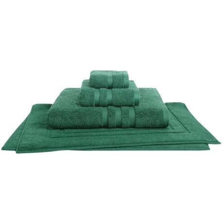 Chortex Irvington Bath Sheet - 700gsm Cotton in Forest Green
