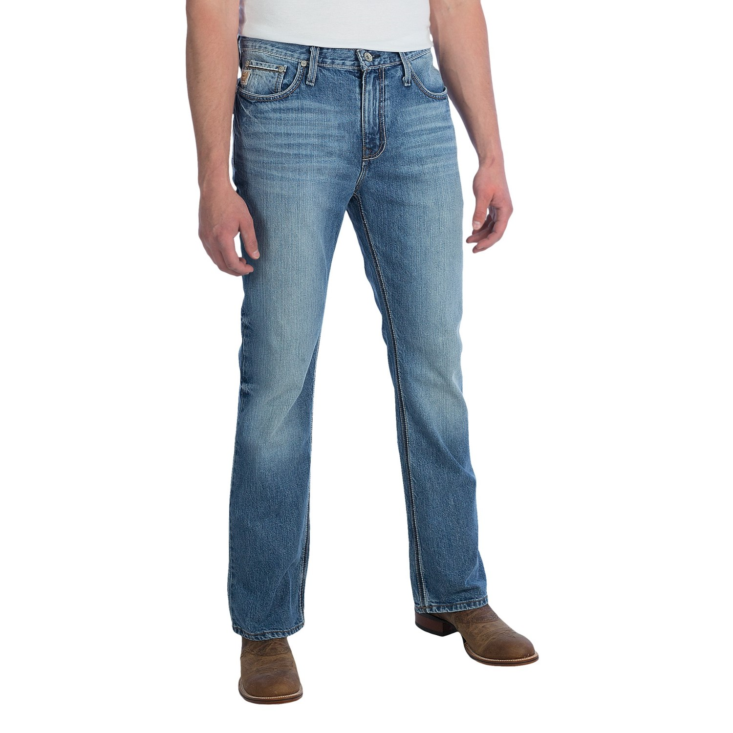 Find women's mid-rise jeans in destructed and clean styles at Buckle. Mid-rise jeans are a closet essential and you will find just the right fit and wash here.