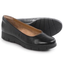 Clarks Daelyn Towne Shoes - Slip-Ons (For Women) in Black Leather - Closeouts