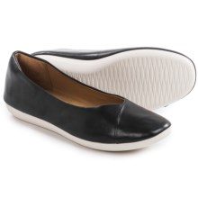 Clarks Feature Fest Shoes - Leather, Slip-Ons (For Women) in Black Leather - Closeouts