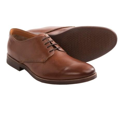 Clarks Novato Plain Toe Shoes (For Men) in Cognac Leather