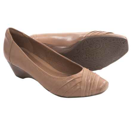 Clarks Ryla King Shoes - Leather (For Women) in Tan Leather - Closeouts
