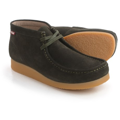 Clarks Stinson Hi Chukka Boots - Leather (For Men) in Loden Green