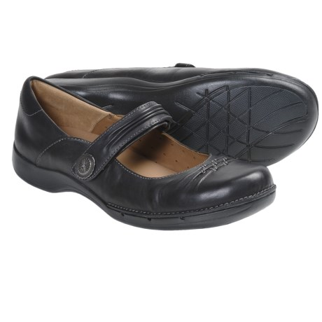 Clarks Un.Cedar Mary Jane Shoes - Leather (For Women) in Black