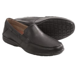Clarks Un.Sand Shoes - Slip-Ons (For Men) in Tan Leather