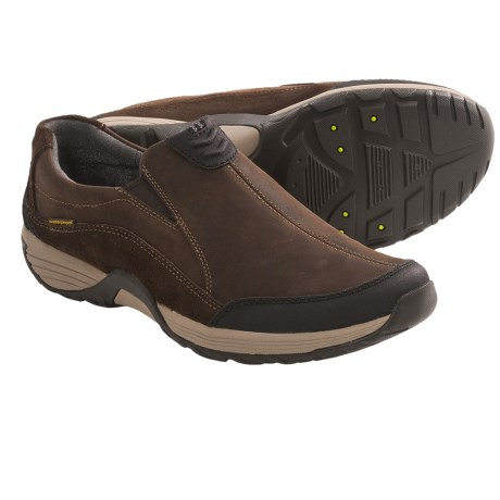 Clarks Wave.Frontier Slip-On Shoes (For Men) in Brown Nubuck