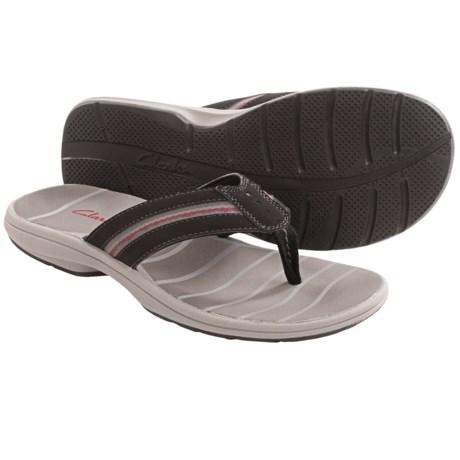 Clarks Whelkie Beach Sandals - Flip-Flops (For Men) in Black
