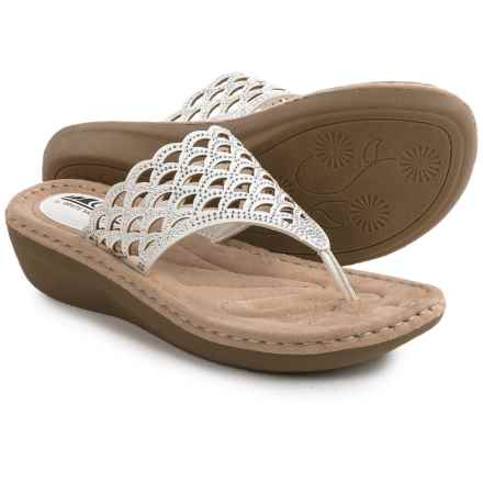 Cliffs by White Mountain Cameo Sandals (For Women) in White - Closeouts