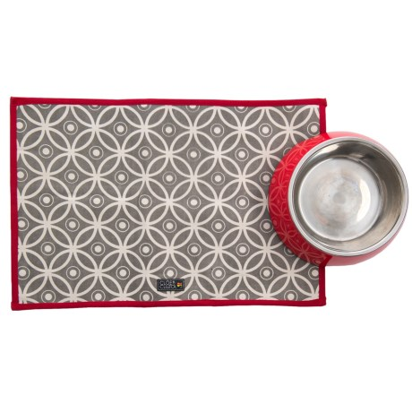 Cloe & Cluzo Printed Pet Placemat in Red