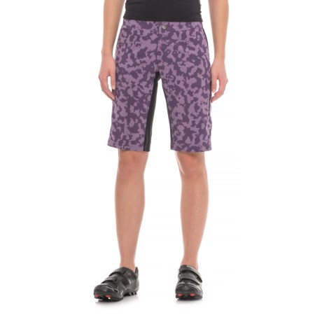 Club Ride Passage Bike Shorts (For Women) in Dewberry Camo