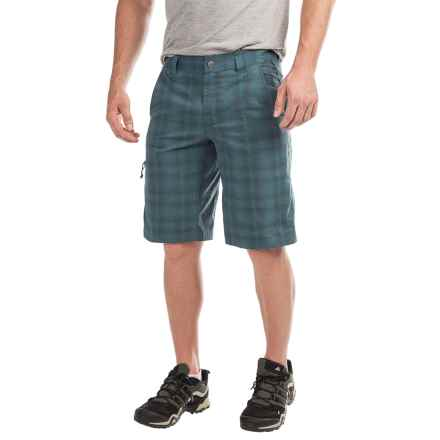 Columbia Sportswear Cool Creek Shorts - UPF 15, Stretch Plaid (For Men) in Everblue/Plaid - Closeouts