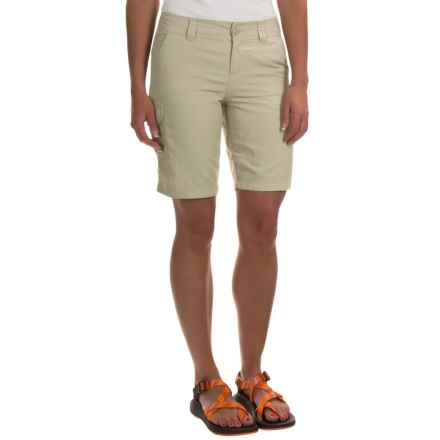 Columbia Sportswear East Ridge 2 Omni-Wick® Shorts - UPF 30 (For Women) in Fossil - Closeouts