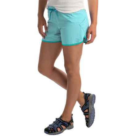 Columbia Sportswear Endless Trail Shorts - UPF 30 (For Women) in Candy Mint/Geyser - Closeouts
