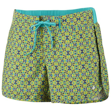 Columbia Sportswear Groovy Creek Shorts - UPF 50 (For Women) in Geyser Mini Geo