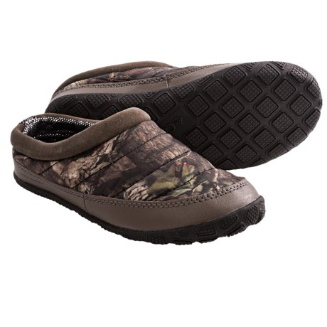 Columbia Sportswear Packed Out Camo Omni-Heat® Slippers (For Youth Boys and Girls) in Mossy Oak