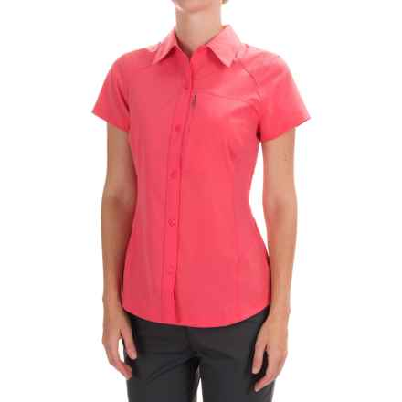 Columbia Sportswear Silver Ridge Shirt - UPF 40, Short Sleeve (For Women) in Bright Geranium - Closeouts