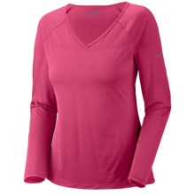 Columbia Sportswear Vista Ridge Shirt - V-Neck, Long Sleeve (For Women) in Afterglow - Closeouts