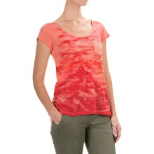 Columbia Sportswear Waves Pocket T-Shirt - Short Sleeve (For Women) in Coral Flame - Closeouts