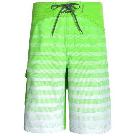 Columbia Sportswear Widow Maker Shorts (For Men) in Neon Green