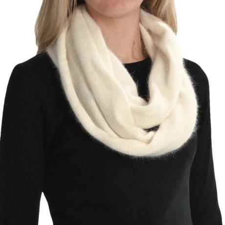 Columbia Sportswear Zenith Vista Scarf (For Women) in Winter White