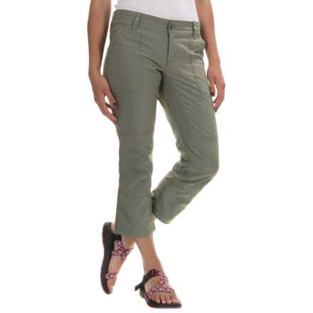Columbia Sportswear Zephyr Heights Woven Capris - Omni-Shield®, UPF 50 (For Women) in Cypress - Closeouts