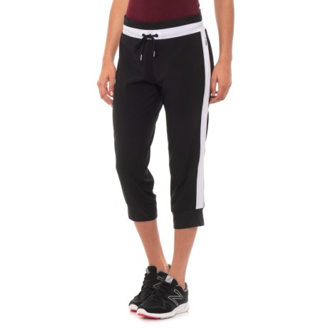 Image of Contrast Piping Capris (For Women)