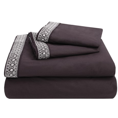 Coyuchi Percale Fitted Sheet - Cal King, 300 TC Organic Cotton in Charcoal