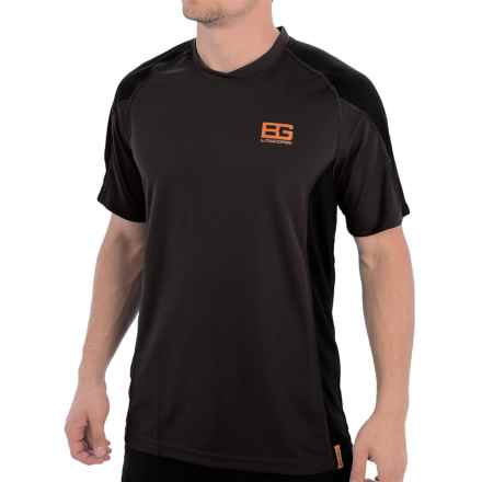 Craghoppers Bear Grylls Base T-Shirt - Short Sleeve (For Men) in Black Pepper/Black - Closeouts