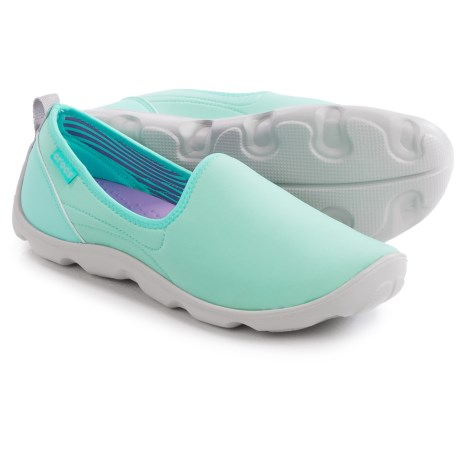 Crocs Duet Busy Day Stretch Skimmer Shoes Slip Ons (For Women)