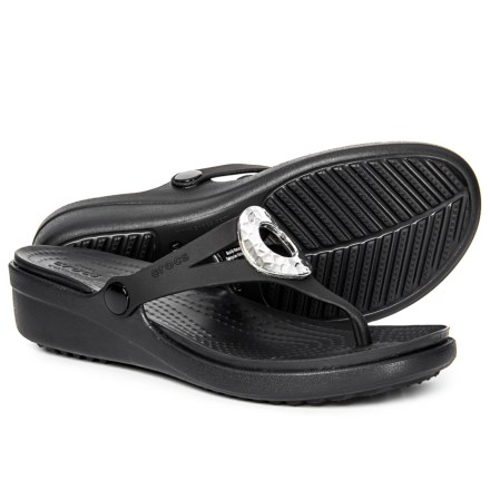 264e741a1e967 Crocs Sanrah Hammered Metallic Wedge Flip-Flops (For Women) in Black Black
