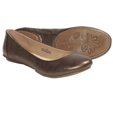 Crown by Born Stowaway II Flats (For Women) in Wood Metallic