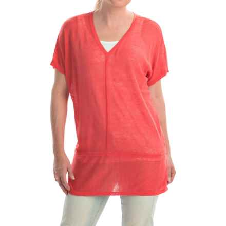 Cullen Linen V-Neck Seamed Shirt - Short Sleeve (For Women) in Ladybug - Closeouts