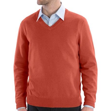 Cullen Solid V-Neck Sweater - Cashmere (For Men) in Paprika
