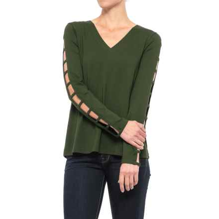 Cupio Ladder-Sleeve V-Neck Shirt - Long Sleeve (For Women) in Dark Meadow - Closeouts