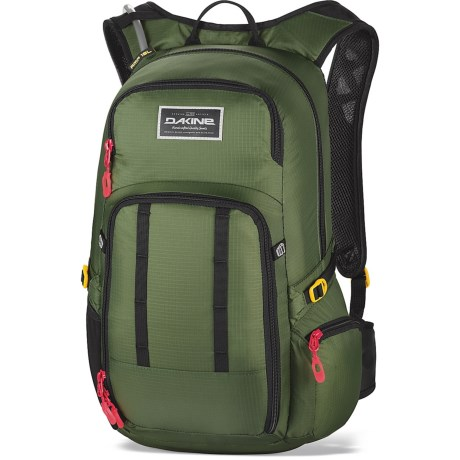 photo: DaKine Men's Amp 18L