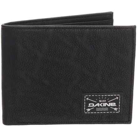 DaKine Riggs Coin Wallet in Black - Closeouts