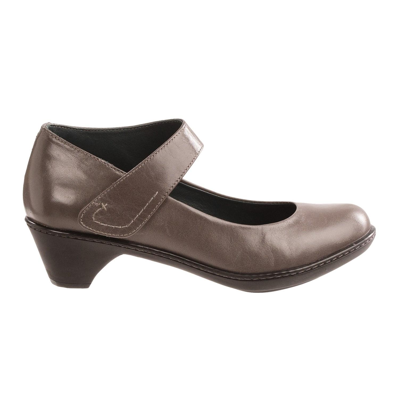 Dansko Tennis Shoe Reviews