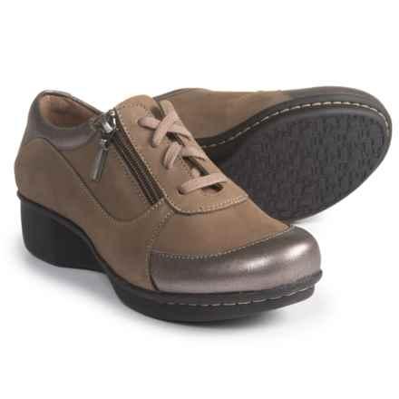 Dansko Loretta Shoes - Nubuck (For Women) in Taupe Nubuck - Closeouts