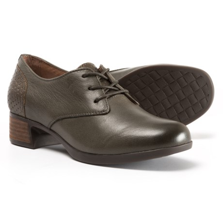 Dansko Louise Shoes - Leather (For Women) in Stone Burnished Nappa